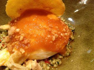 Huevos rancheros con maíz frito y tortilla tierna