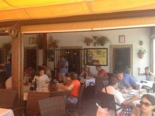 Terraza del Bar Juanito, casi siempre llena