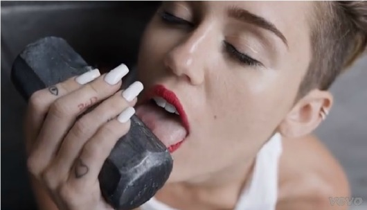 Wrecking Ball CYRUS