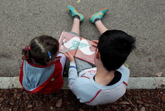 Niños-leen-libros1