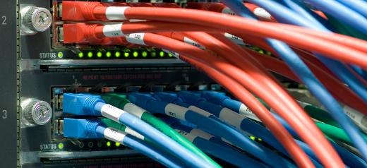 Switches en un rack de un centro de datos
