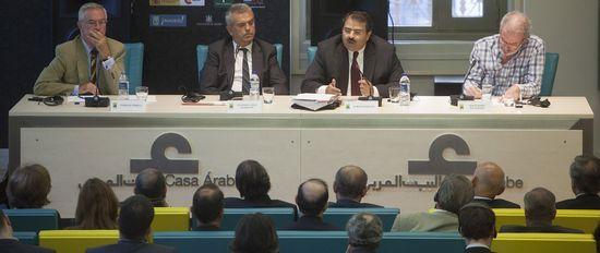 De izquierda a derecha: Charles Powell, Eduardo López-Busquets, Ayman Zaineldin y Jesús Núñez / Foto: Casa Árabe / Laura Martínez Lombardía