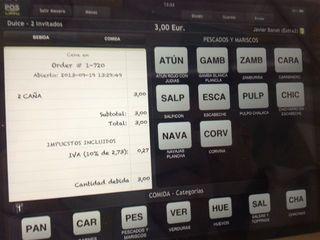 Tableta con una App especial desde la que se pasan las comandas a la cocina