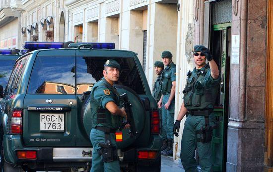 30-09-13- HERRIRA SEDE DE BILBAO REGISTRO GUARDIA CIVIL JONE GOIRICELAYA  7  FERNANDO DOMINGO-ALDAMA