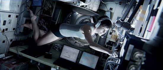 Gravity-001_(1)