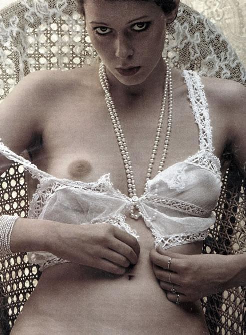 Fotograma-pelicula-Emmanuelle-1974