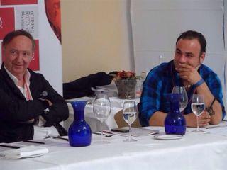 """Pausa en la cata. Ángel León comentó: """"Es un concurso bonito. Hemos estado a punto de presentarnos pero nunca lo hemos hecho"""""""