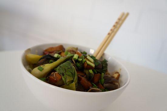 Fideos de arroz con tofu