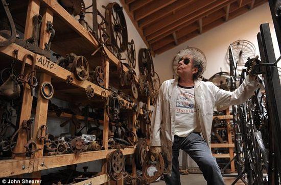 Bob Dylan metal works