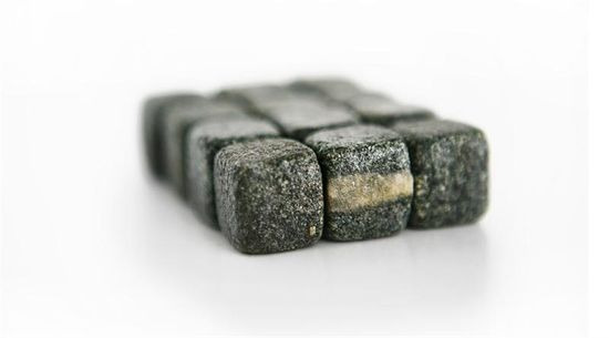 Cube_ice_whiskey_rocks_stones