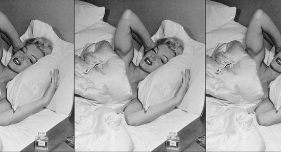 En una entrevista para la revista Life, en 1952, el reportero le preguntó a Marilyn Monroe qué llevaba en la cama. Solo Chanel nº 5, contestó la actriz.