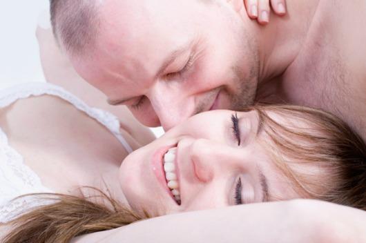 Happy-couple-having-sex