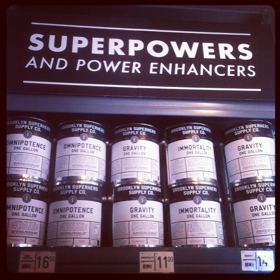 Estanterías de la Brooklyn Superhero Supply