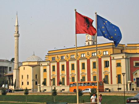 Banderas 2