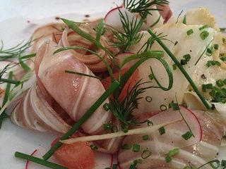 Terrina de oreja de cerdo ibérico en ensalada