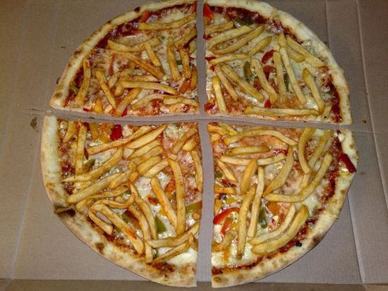800px-french_fry_pizza