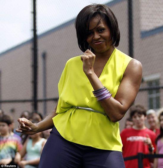 Michelle-Obama dancing