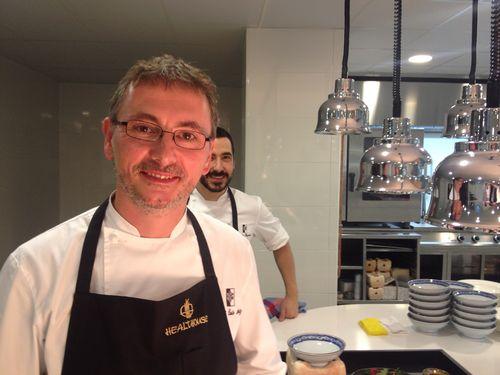 Andoni Aduriz en las cocinas del hotel Las Dunas