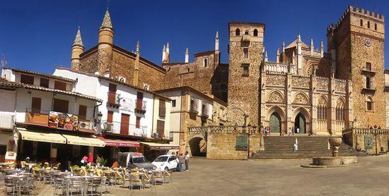Monasterio-Guadalupe Wikimedia2