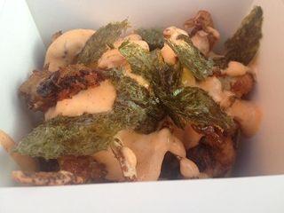 Tapa de Javier Muñoz Calero. Tempura húmeda de cangrejo de concha blanda, kimuchi, jengibre, y polvo de alga