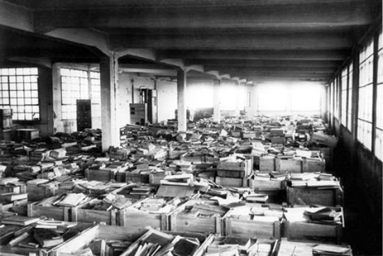 Nazi-looted-material