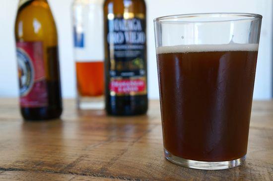 Coctel de cerveza negra