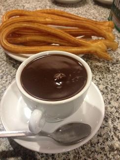 Churros de La Cocktelera, mucho mejores que el chocolate, muy mediocre