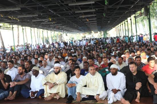 Musulmanes en una mezquita de Lleida, en 2011 / Foto: Herminia Sirvent