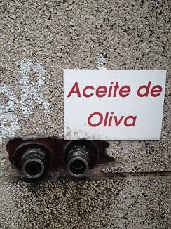 Toma de aceite de oliva, donde descargan los camiones