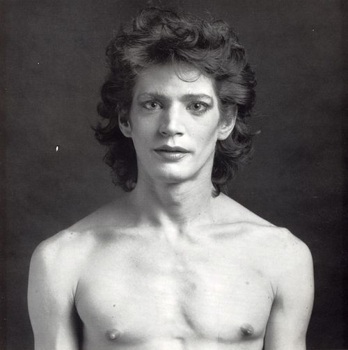 Robert-Mapplethorpe-self-portrait