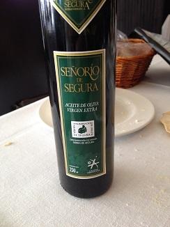 Aceite de mesa Señorío de Segura, un gran AOVE de Jaén. Con el mismo aceite se alimentan las tres freidoras de Alhucemas