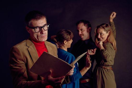 Un hombre con gafas de pasta (2) - foto Victor Medina