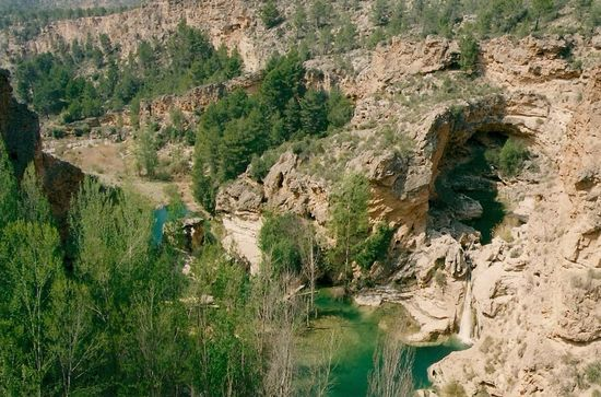 Enguídanos._Las_Chorreras_de_Arriba_(El_Orón)._Lago,_Cueva_y_Gran_Cascada j s valero