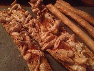 Bastón de camarones, simil de tortillita que se sirve en El Lago, Marbella, en el menú 2014