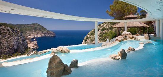 Infinity_pool_hacienda