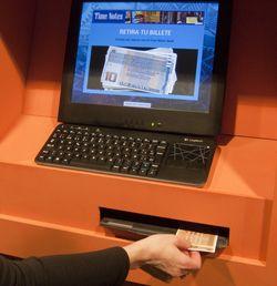 El cajero de Time Notes Bank