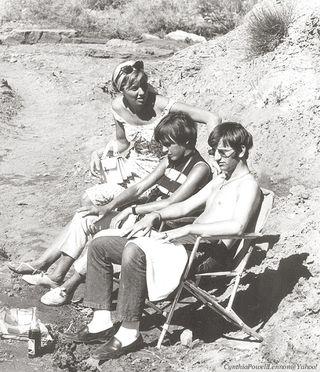 John Lennon Cynthia y Maureen y Ringo STArr