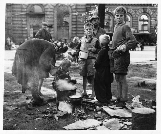 trabajos alemania posguerra caida