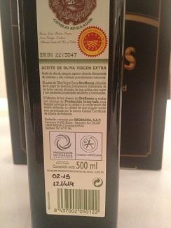 Botella de Orobaena. No indica la añada sino la fecha de consumo preferente