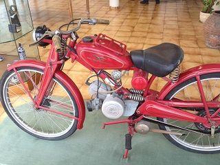 Motocicleta con la que César Bonilla distribuía sus churros en A Coruña