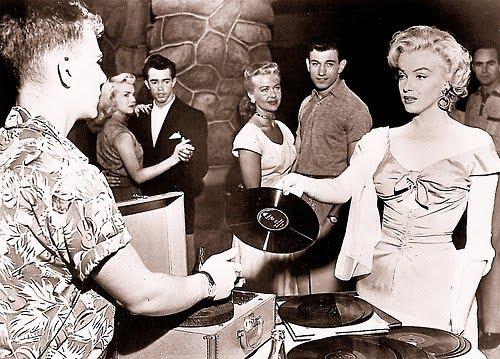 Marilyn-monroe-a-recor-2
