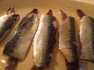 Sardinas y anchoas  servidas en la cena