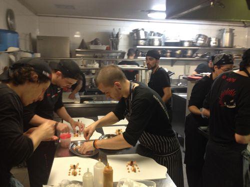 Las cocinas de Diverxo durante la vorágine del servicio