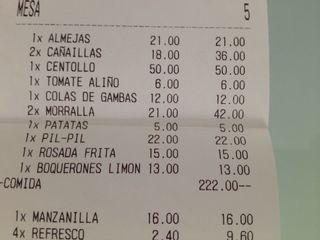 Factura del restaurante El Ancla en San Pedro de Alcántara, Marbella. Como en otros muchos lugares omiten el nombre y los denominan morralla