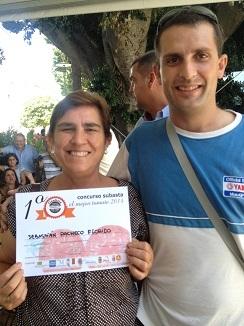 Los ganadores del concurso, Sebastian Pacheco y su madre