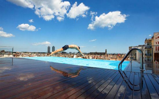 Piscina-gran-hotel-central-barcelona-hd