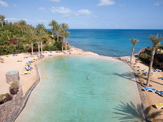 18-hotel-fuerteventura-sercotel-r2-rio-calma-lago-artificial
