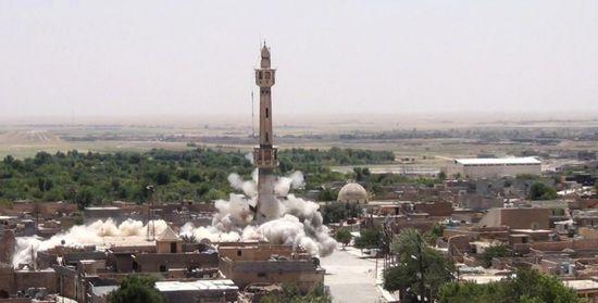 Isis-destroys-iraqi-shrines-01