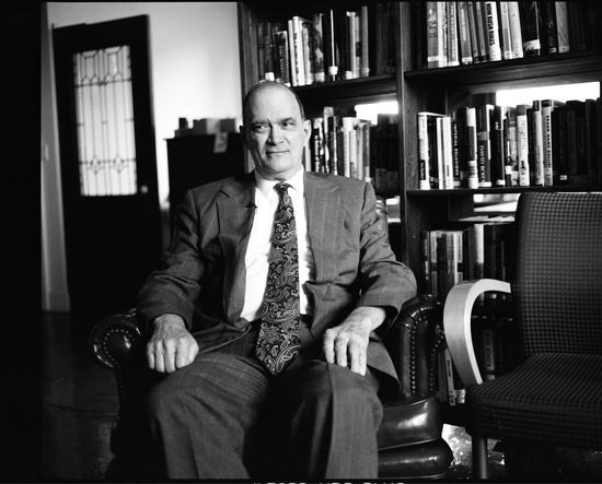 William_Binney,_in_offices_of_Democracy_Now!_in_New_York_City,_4_May_2012.