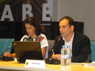 Pedro Rojo junto a Nadia Hindi en Casa Árabe / Foto: M. Á. M.